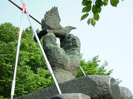 自由民権の像(上部)